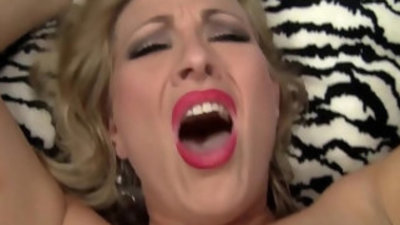 Hot MILF Cheats On Her Husband With Her Stepson!