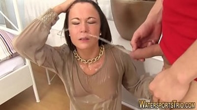 Kinky whore gets facial