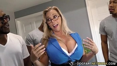 Amber Lynn gets gangbanged and creampied by BBCs