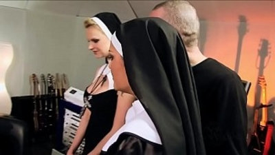 Perverted orgy with catholic nuns Vatikan Hardcore