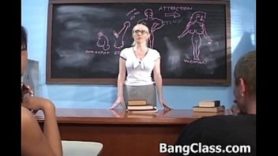 Teacher in a threesome with hot studs