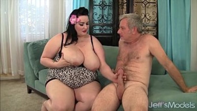 Plumper Eliza Allure gets pussy pounded by a fat cock